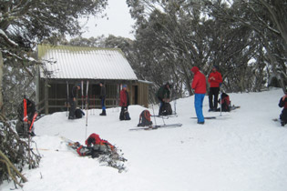 A few ski tourer arriving at the Bluff Spur Hut