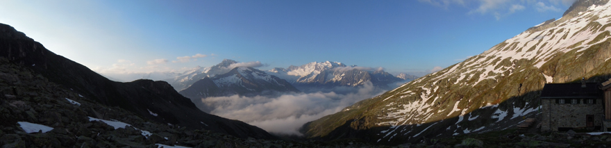Morning view from the terrace of Friesenberghaus